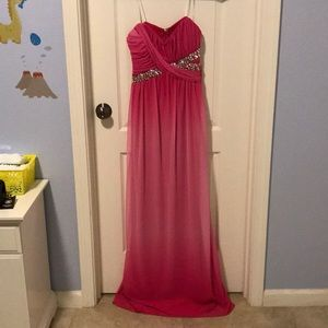 Perfect strapless pink dress for prom